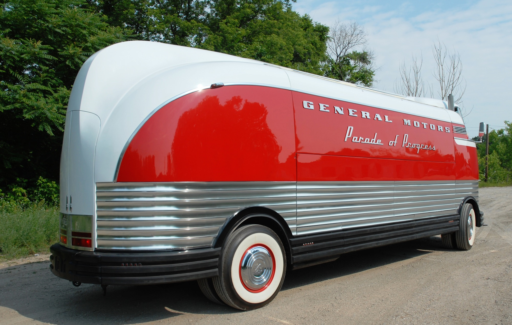 gm-futurliner.2000x1333.May-30-2014_11.23.52.764632