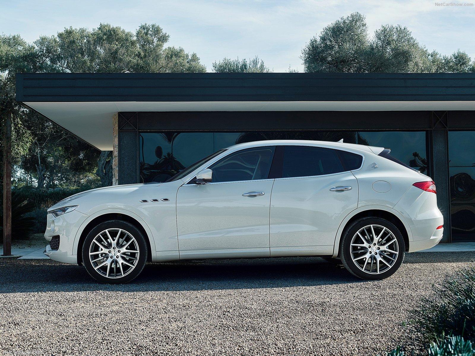 Maserati-Levante_2017_1600x1200_wallpaper_06