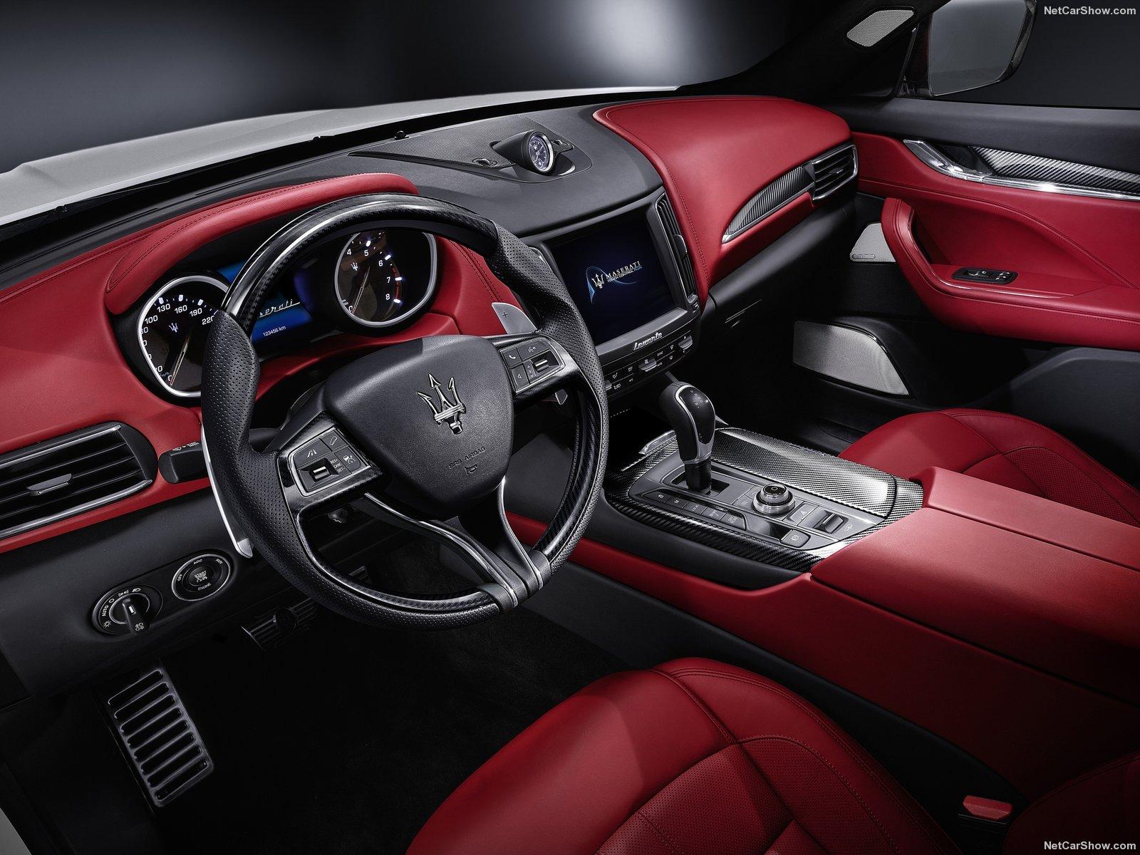 Maserati-Levante_2017_1600x1200_wallpaper_0b