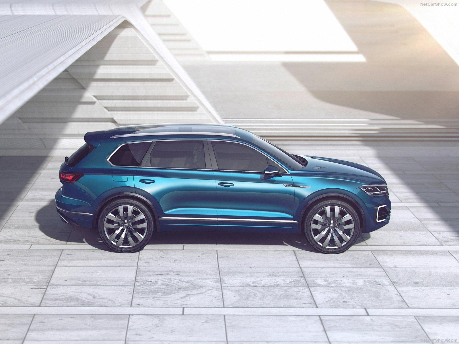 Volkswagen-T-Prime_GTE_Concept-2016-1600-0d