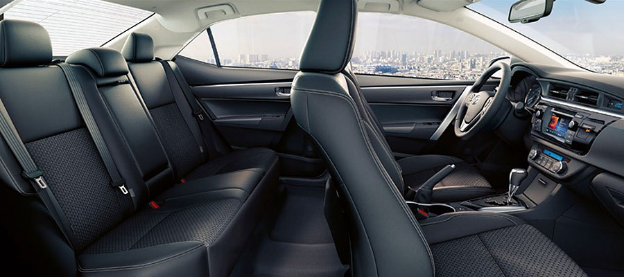 форд фокус 3 или тойота королла 2014