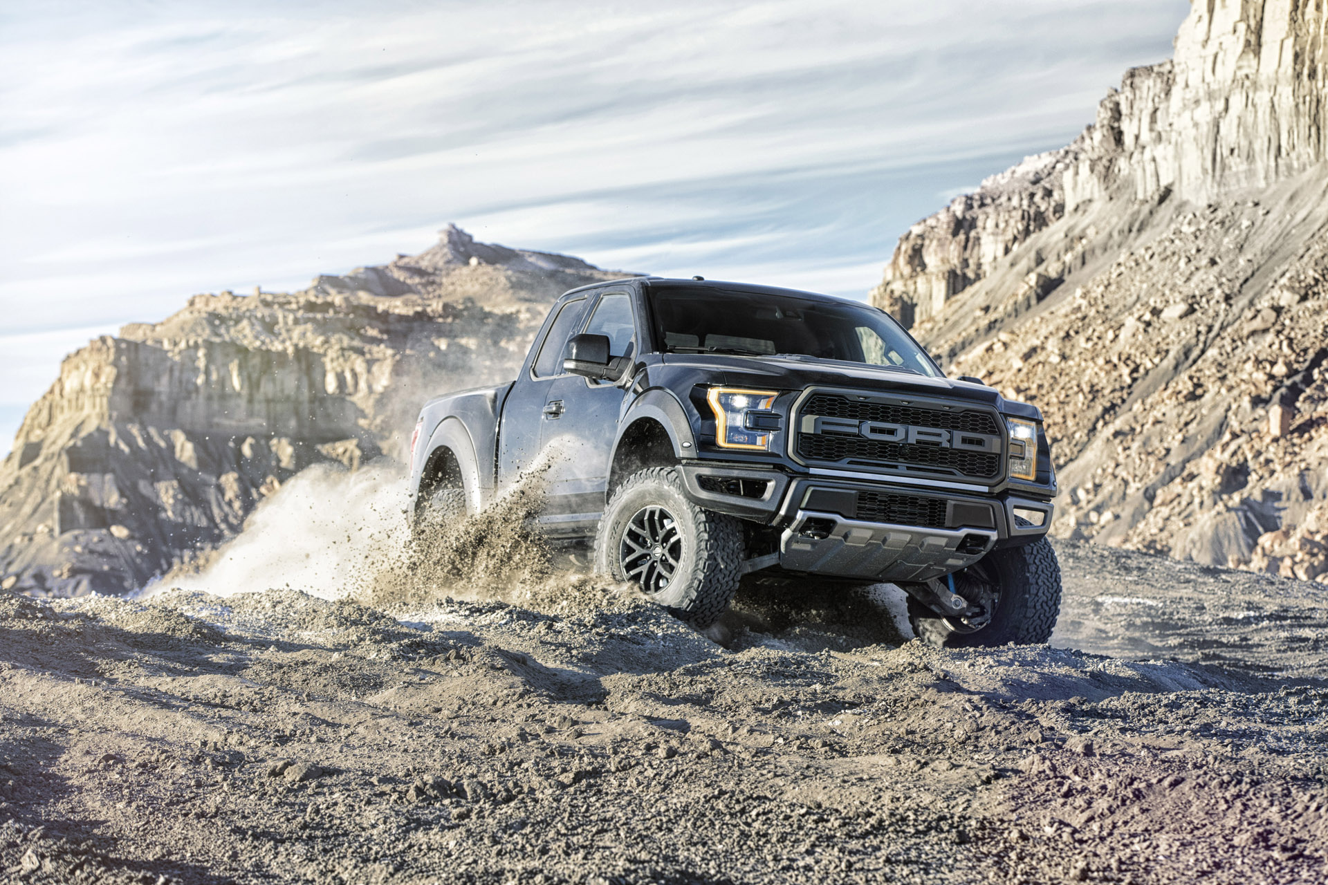 The all-new Ford F-150 Raptor (SuperCab model pictured) features an available Torsen front differential that increases off-road grip significantly for the front end of the truck and allows it to pull itself over obstacles and up steep grades – even when traction is split between the front tires.